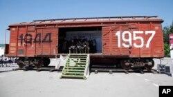 Вагон, памятник депортации чеченцев и ингушей. Грозный.