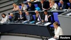 Thủ tướng Angela Merkel phát biểu về những hậu quả của Brexit tại Hạ viện Đức tại Berlin, ngày 28/6/2016.
