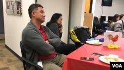 Kristopher Larsen, gốc Việt, là một trong hàng ngàn người nước ngoài được cha mẹ người Mỹ nhận làm con nuôi, nhưng không có quốc tịch Mỹ, vì cha mẹ không làm hồ sơ nhập tịch. Ảnh của Barros/VOA)