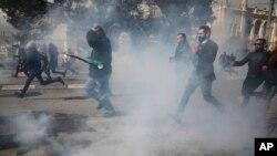 په اسرایل کې فلسطینیانو د صدر ټرمپ د منصوبې خلاف احتجاج وکړو اسرایلې امنیتي ځواکونو سره یې نښتې وشوې