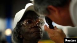 Pacijenti u besplatnoj klinici u Los Anđelesu (Foto: REUTERS/Lucy Nicholson )