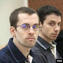 Shane Bauer (kiri) dan Josh Fattal yang masih ditahan di Teheran, mungkin akan segera bebas dengan membayar jaminan 500 ribu dolar AS per orang.