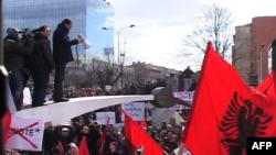 Lëvizja Vetëvendosje proteston kundër marrëveshjeve me Serbinë
