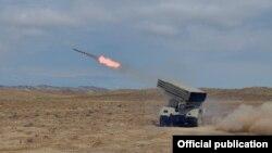 Raket və Artilleriya birləşmələri təlim keçirir