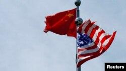 美中两国国旗