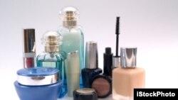 Các nhà nghiên cứu khuyến cáo phụ nữ nên vứt bỏ mỹ phẩm quá hạn.