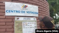 Ciudadanos en Venezuela denuncian cambios en centros de votación.