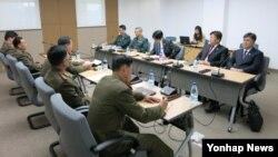 지난해 11월 남북한이 개성공단 종합지원센터에서 남북공동위원회 산하 통행·통신·통관(3통) 분과위원회를 열어 3통 개선을 논의했다.