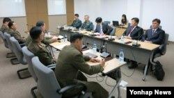 남북한이 지난달 29일 개성공단 종합지원센터에서 남북공동위원회 산하 3통 분과위원회를 재개하고 전자출입체계 구축 방안을 논의했다.