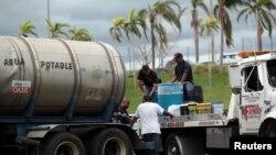 Se espera que el presidente de Estados Unidos Donald Trump visite la isla el martes.