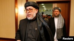 Шер Мохаммад Аббас Станикзай, в центре (архивное фото)