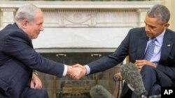 El presidente Barack Obama y el primer ministro israelí Benjamin Netanyahu minimizaron sus marcadas diferencias y reafirmaron su compromiso por alcanzar la elusiva paz en Oriente Medio.