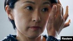 2014年9月3日日本的经济,贸易和工业部长小渊优子来到首相安倍晋三东京官邸