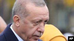 El presidente turco Recep Tayyip Erdogan dijo que conversó con aliados sobre el asesinato del periodistasaudí Jamal Khashoggi.