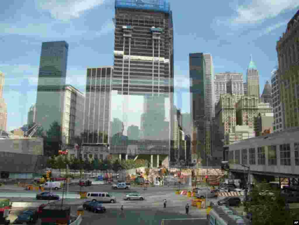 世界贸易中心街边景色