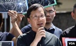 公民党立法会议员郭家麒表示,民主派立法会议员会在学生升级行动中监察警方执法 (美国之音/汤惠芸 )