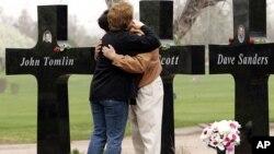 La matanza de Columbine, donde dos estudiantes mataron a 13 personas y luego se suicidaron, es una de las más recordadas.