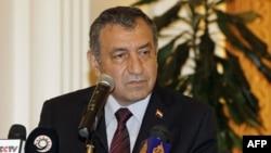 Thủ Tướng Ai Cập Essam Sharaf