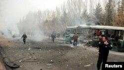 터키 중부 카이세리에서 17일 버스가 차량폭탄 공격을 받았다.