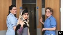 Em Malala được xuất viện Queen Elizabeth hôm 4/1/2013