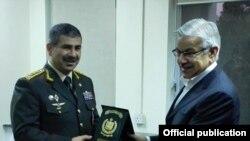 Müdafiə nazirinin Pakistan səfəri