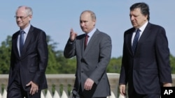 Херман Ван Ромпей, Владимир Путин и Жозе Мануэль Баррозу