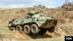 რუსული BTR-82А ოკუპირებული წებელდის პოლიგონზე