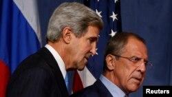 Джон Керри и Сергей Лавров. Архивное фото.