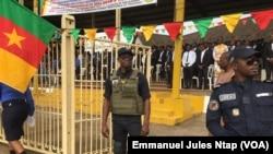 Place des Fêtes dans la ville de Bamenda, au Cameroun, le 30 mai 2018. (VOA/Emmanuel Jules Ntap)