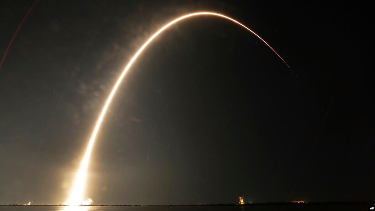 SpaceX: satélite para Asia