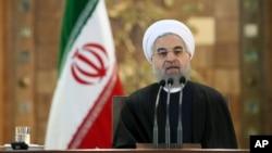 2016年1月17日伊朗總統哈桑•魯哈尼在德黑蘭新聞發佈會上就美國對其彈道導彈計劃新的制裁發表講話。