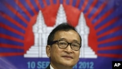 Cambodian opposition leader and France-based exile Sam Rainsy, attends political discussions, San Juan, Philippines, Sept. 10, 2012.