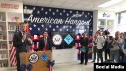 Đại sứ Dan Kritenbrink phát biểu tại lễ khánh thành Điểm hẹn Hoa Kỳ tại Đại học Cần Thơ, ngày 5/6/2018. Facebook Dan Kritenbrink.