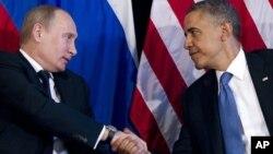 Владимир Путин и Барак Обама (архивное фото)