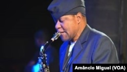 Otis, saxofonista moçambicano, Festival Nacional de Cultura, Inhambane, 2014