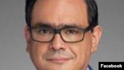 """Jacob Monty, abogado de Houston y exasesor hispano de Trump, anunció en Facebook: """"Él quiere perder. Puede hacerlo sin mí"""" ."""