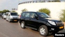 Konvoi kendaraan yang dilaporkan membawa sekitar 20 orang anggota dari Organisasi Pelarangan Senjata Kimia (OPCW), terlihat meninggalkan Bandara Internasional Beirut–Rafic Hariri (30/9), untuk meneruskan perjalanan ke Damaskus minggu ini.