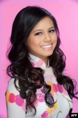 Amy Lê, thủ khoa trường trung học Edison, thành phố Huntington Beach