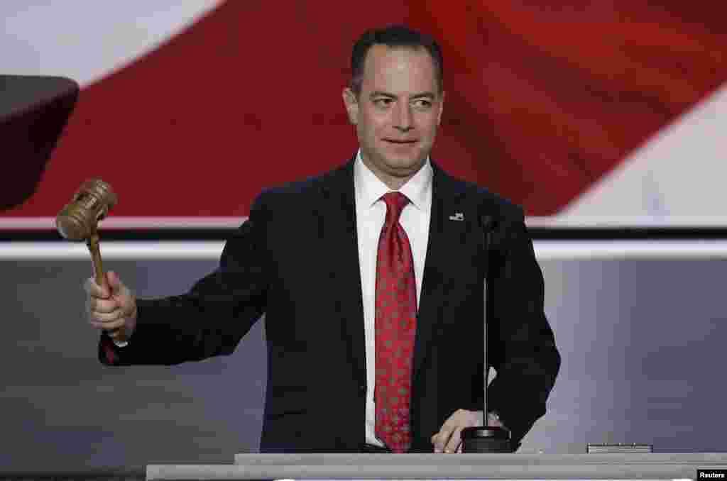 Le président du Comité national républicain Reince Priebus s'apprête à démarrer officiellement la Convention républicaine à Cheveland, Ohio, le 18 juillet 2016.