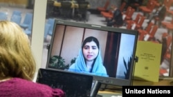 نوبیل انعام یافتہ ملالہ یوسف زئی کا کہنا تھا کہ یہ وقت ہے کہ اس عزم پر قائم رہا جائے اور یہ یقینی بنایا جائے کہ افغان خواتین کے حقوق کا تحفظ کیا جا رہا ہے۔