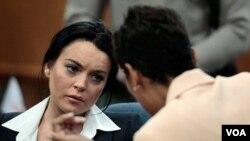 El año pasado, Lohan fue enviada dos veces a un centro de rehabilitación y se le mandó a la cárcel también en dos ocasiones.