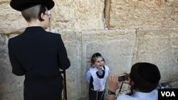 En las calles de Jerusalén algunos judíos están escépticos sobre las perspectivas de paz.
