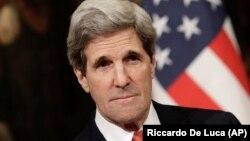 Ngoại trưởng Hoa Kỳ John Kerry dự định sẽ nêu vấn đề này với các giới chức Thổ Nhĩ Kỳ trong chuyến đi thăm nước này