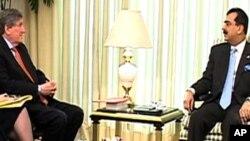 """""""پاکستان کو کیری لوگر بل کے تحت امداد جلد فراہم کر دی جائے گی """""""