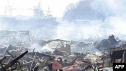 Trong trường kỳ, nhu cầu tái thiết các thành phố bị và hạ tầng cơ sở bị tàn phá bởi thiên tai có thể kích thích nền kinh tế và cải thiện tỷ lệ tăng trưởng của Nhật Bản