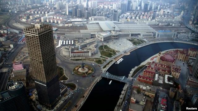"""放松海外投资对北京是把""""双刃剑"""""""