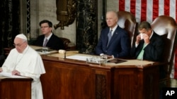 羅馬天主教教宗方濟各星期四﹐向美國國會參眾兩院發表歷史性演講。