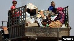 Dera'dan kaçmaya çalışan siviller