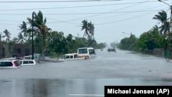 Veículos submersos na Beira, Moçambique, depois da passagem do ciclone Eloise. 23 Janeiro 2021