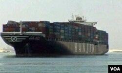 Brodovi za sada nesmetano plove kroz Sueski kanal